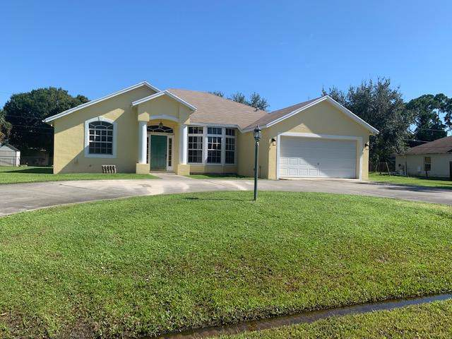 1657 SW Bellevue Avenue, Port Saint Lucie, FL 34953 (#RX-10561218) :: The Reynolds Team/Treasure Coast Sotheby's International Realty
