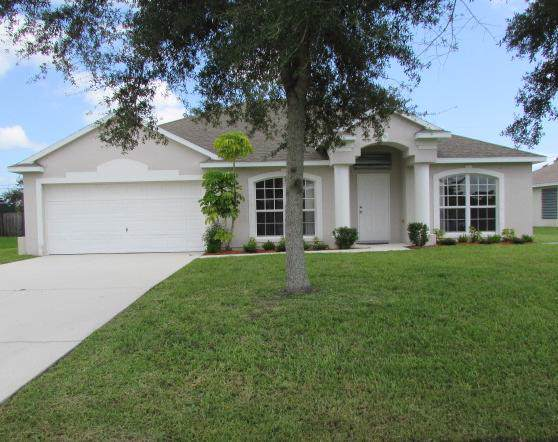 713 SE Brookedge Avenue, Port Saint Lucie, FL 34983 (#RX-10563072) :: Ryan Jennings Group
