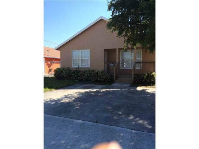 1415 W 35th Street, Riviera Beach, FL 33404 (#RX-10568107) :: Ryan Jennings Group