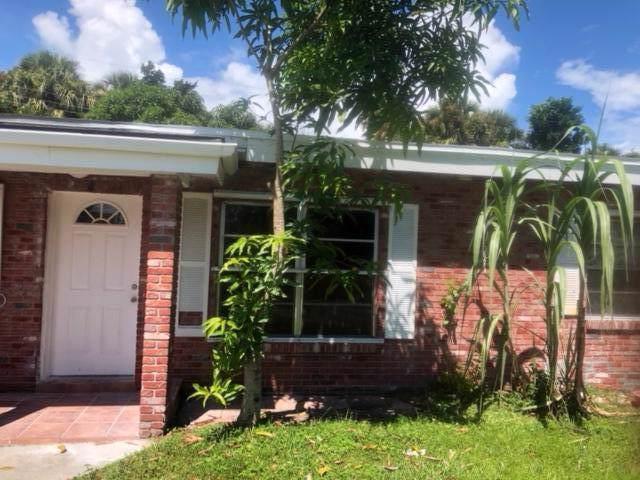 904 Coral Street, Fort Pierce, FL 34950 (#RX-10568351) :: Ryan Jennings Group