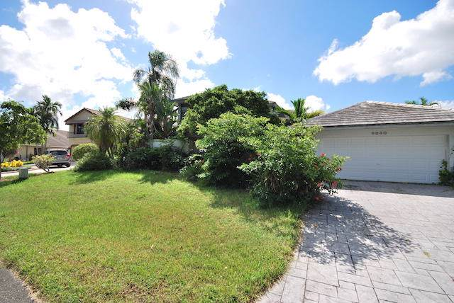 9840 SW 4th Street, Plantation, FL 33324 (MLS #RX-10568986) :: Best Florida Houses of RE/MAX
