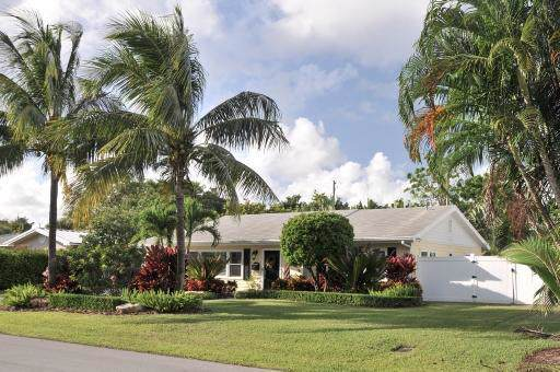 417 NW 7th Street, Delray Beach, FL 33444 (#RX-10569354) :: Harold Simon | Keller Williams Realty Services