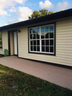 574 NW Azine Avenue, Port Saint Lucie, FL 34983 (#RX-10569538) :: Ryan Jennings Group