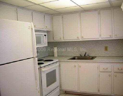 241 Sheffield J, West Palm Beach, FL 33417 (#RX-10571002) :: Ryan Jennings Group