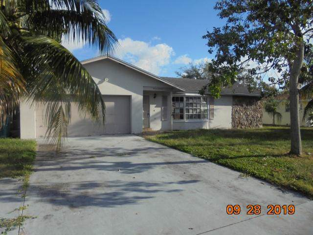 719 SW 27th Terrace, Boynton Beach, FL 33435 (#RX-10571492) :: Weichert, Realtors® - True Quality Service