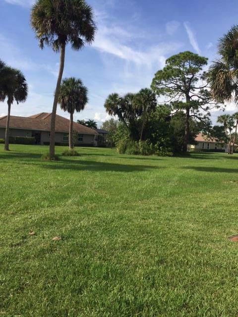 9406 Pinebark Court, Fort Pierce, FL 34951 (#RX-10576658) :: Ryan Jennings Group