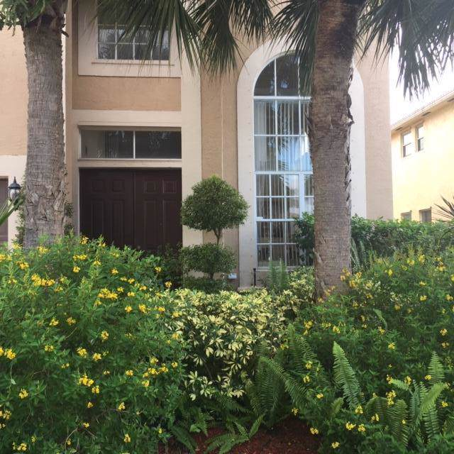2302 Ridgewood Circle, Royal Palm Beach, FL 33411 (#RX-10577346) :: Weichert, Realtors® - True Quality Service