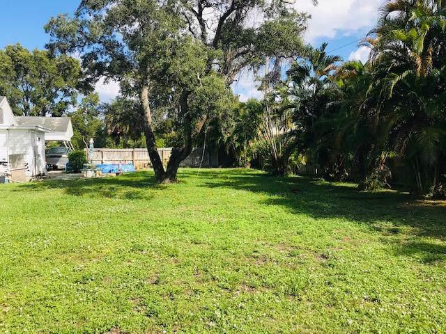 1133 15th Avenue N, Lake Worth, FL 33460 (MLS #RX-10577624) :: Miami Villa Group