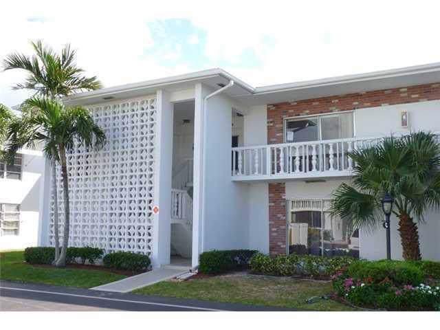 4501 S Ocean Boulevard F4, Lantana, FL 33462 (MLS #RX-10577671) :: The Paiz Group