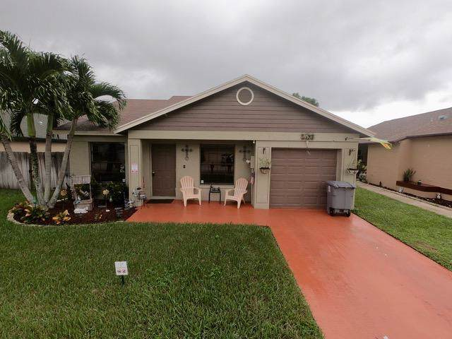 5197 Arbor Glen Circle, Lake Worth, FL 33463 (MLS #RX-10578122) :: Castelli Real Estate Services