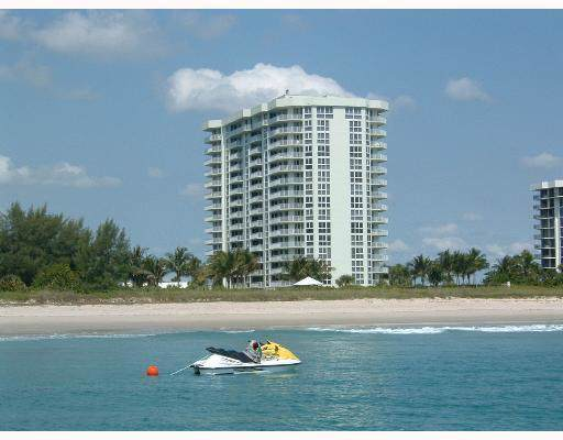 2700 N Hwy A1a, Unit 207, Fort Pierce, FL 34949 (#RX-10578683) :: The Reynolds Team/ONE Sotheby's International Realty