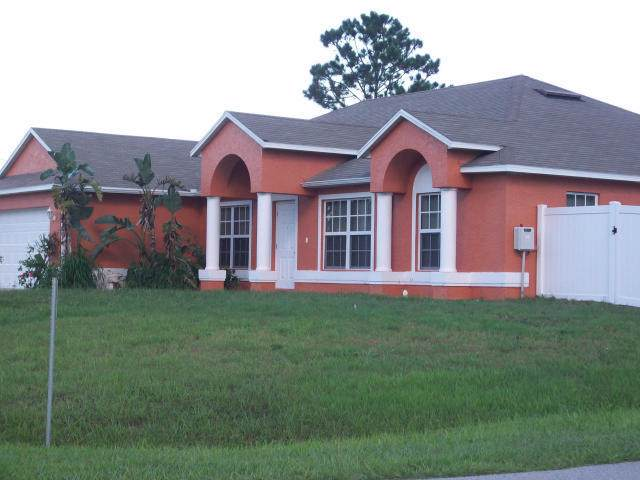 714 SW Paar Drive, Port Saint Lucie, FL 34953 (#RX-10579338) :: The Reynolds Team/ONE Sotheby's International Realty