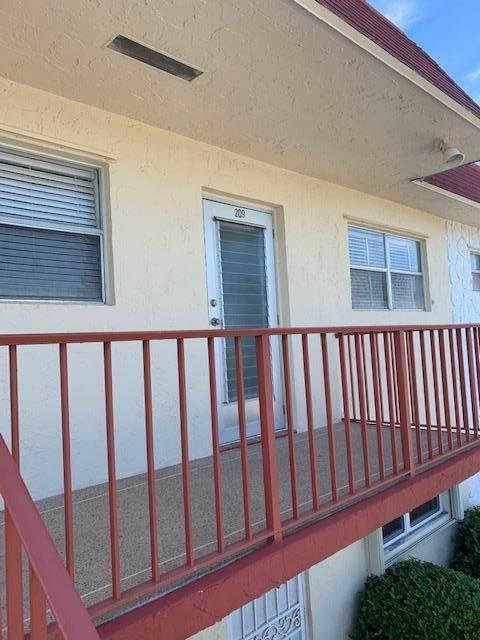 209 Oxford 500, West Palm Beach, FL 33417 (#RX-10579588) :: Ryan Jennings Group