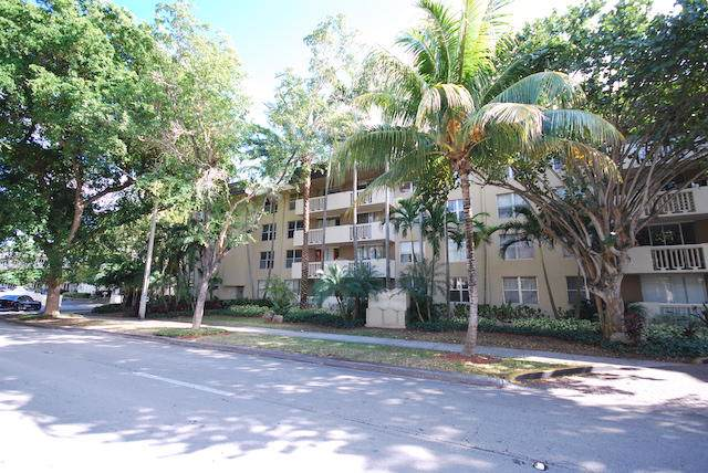 1800 Sans Souci Boulevard #104, North Miami, FL 33181 (MLS #RX-10582924) :: Berkshire Hathaway HomeServices EWM Realty