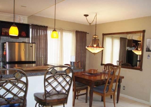 10 Berkshire A, West Palm Beach, FL 33417 (#RX-10583760) :: Ryan Jennings Group