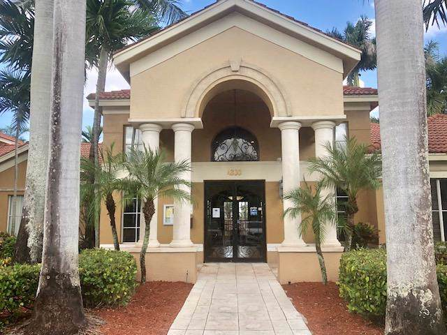 4021 San Marino Boulevard #101, West Palm Beach, FL 33409 (MLS #RX-10584717) :: Laurie Finkelstein Reader Team