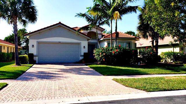 9303 Isles Cay Drive, Delray Beach, FL 33446 (#RX-10588168) :: Ryan Jennings Group