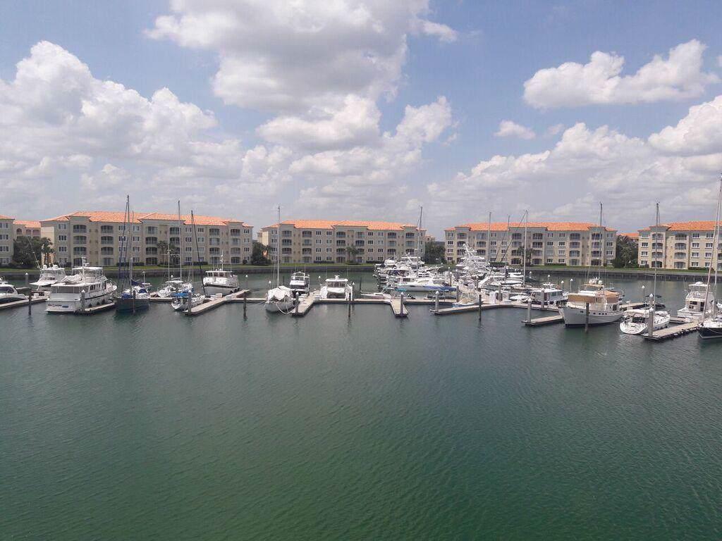 10 Harbour Isle 302 Drive - Photo 1