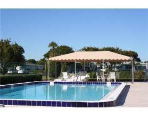 7257 W Oakridge Circle B, Lake Worth, FL 33462 (#RX-10590633) :: Ryan Jennings Group