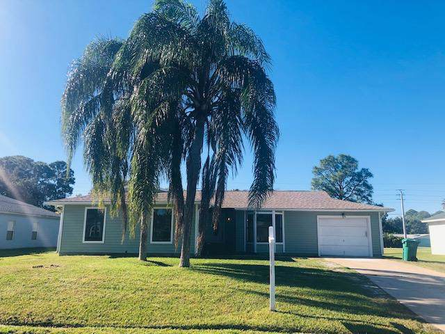 1918 SE Cheltenham Street, Port Saint Lucie, FL 34983 (#RX-10591317) :: Ryan Jennings Group