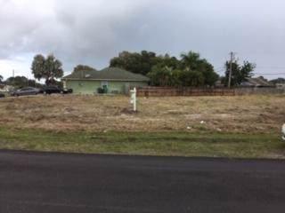 1085 SW Sultan Drive, Port Saint Lucie, FL 34953 (#RX-10591425) :: Ryan Jennings Group