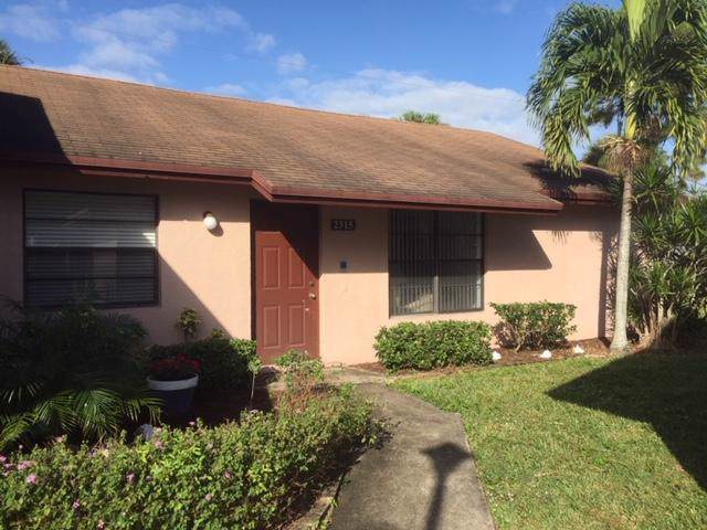 2315 Ida Way NE 27B, West Palm Beach, FL 33415 (#RX-10592405) :: Ryan Jennings Group