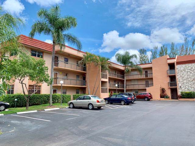 3040 Holiday Springs Boulevard #211, Margate, FL 33063 (#RX-10593556) :: Ryan Jennings Group