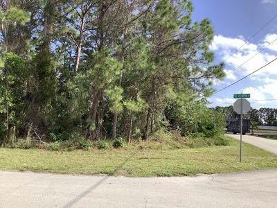 5749 NW Zenith Drive, Port Saint Lucie, FL 34986 (MLS #RX-10593708) :: Laurie Finkelstein Reader Team