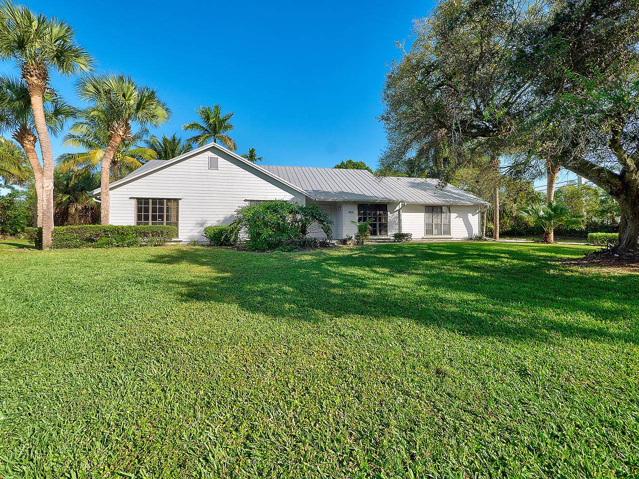7789 Lawrence Road - Photo 1