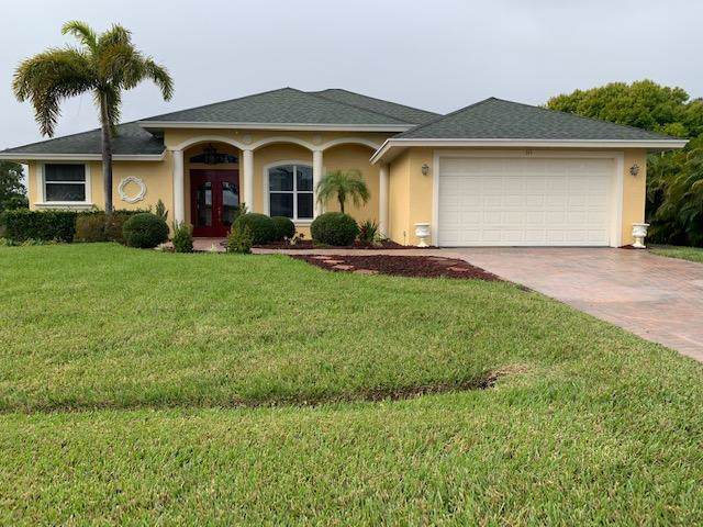 315 SE Fisk Road, Port Saint Lucie, FL 34984 (#RX-10595326) :: The Rizzuto Woodman Team