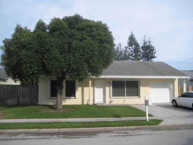 118 Banyan Circle, Jupiter, FL 33458 (#RX-10596798) :: Ryan Jennings Group