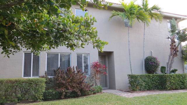 3041 Laurel Ridge Circle, Riviera Beach, FL 33404 (MLS #RX-10596895) :: Berkshire Hathaway HomeServices EWM Realty