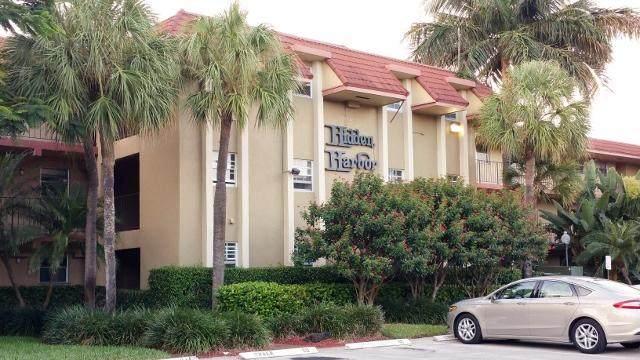 1775 N Andrews Square 110W, Fort Lauderdale, FL 33311 (MLS #RX-10601453) :: Berkshire Hathaway HomeServices EWM Realty