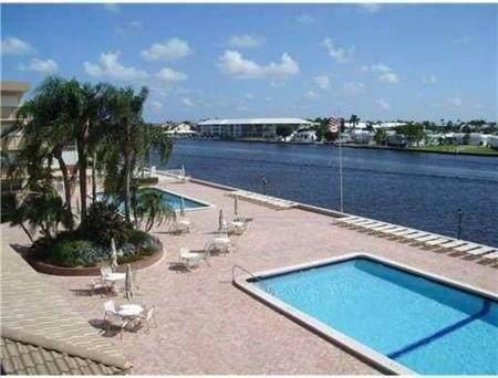 2010 S Federal Highway #407, Boynton Beach, FL 33435 (#RX-10602197) :: Ryan Jennings Group