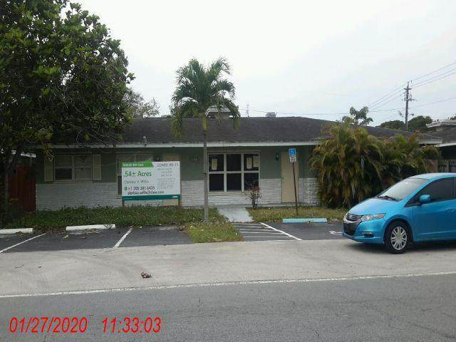 1135 NW 7th Avenue, Fort Lauderdale, FL 33311 (MLS #RX-10602885) :: Berkshire Hathaway HomeServices EWM Realty