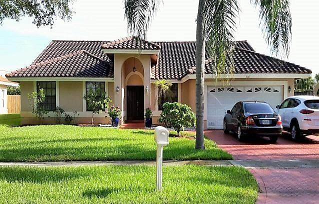5261 SW 14th Street, Plantation, FL 33317 (MLS #RX-10603936) :: Best Florida Houses of RE/MAX