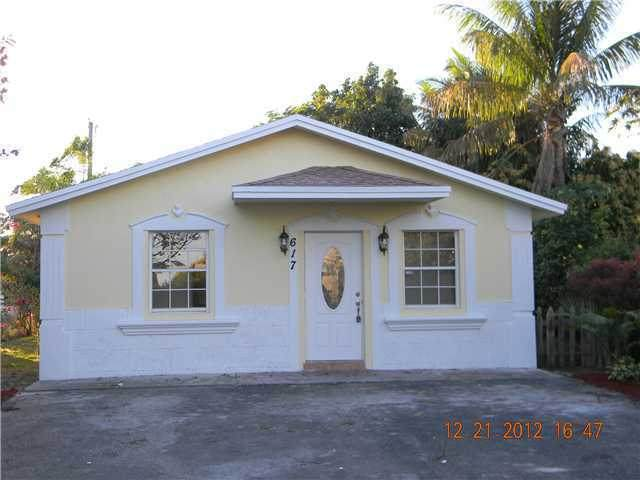 617 Barber Avenue, Lake Worth Beach, FL 33461 (#RX-10604313) :: Ryan Jennings Group