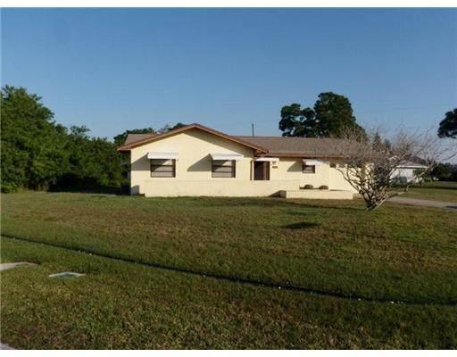 302 NW Granadeer Street, Port Saint Lucie, FL 34983 (#RX-10606037) :: Ryan Jennings Group