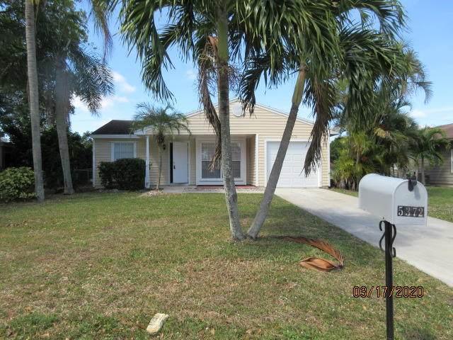 5372 Courtney Circle, Boynton Beach, FL 33472 (MLS #RX-10612028) :: Laurie Finkelstein Reader Team