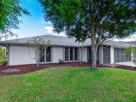 3222 SE Pinto Street, Port Saint Lucie, FL 34984 (#RX-10612227) :: Ryan Jennings Group