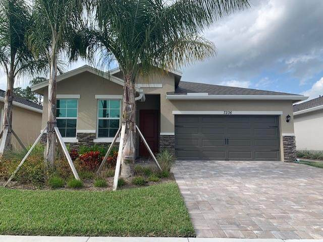 7236 SE Sebona Court, Hobe Sound, FL 33455 (#RX-10612351) :: The Rizzuto Woodman Team