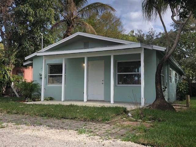 8534 SE Date Street, Hobe Sound, FL 33455 (MLS #RX-10613065) :: United Realty Group