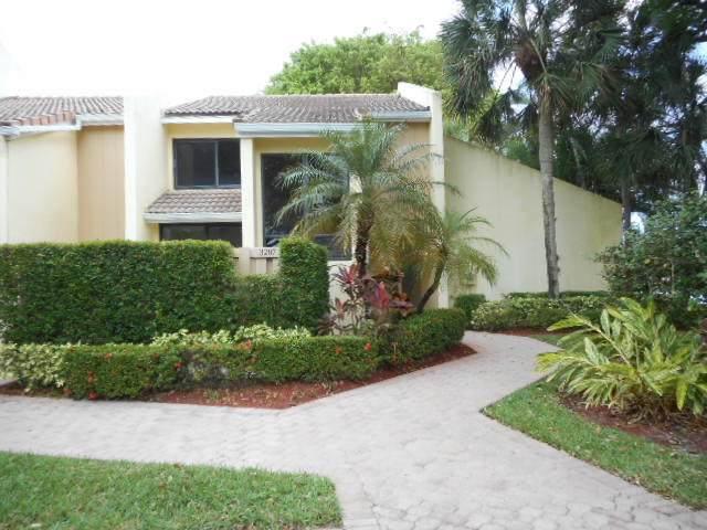 3207 Bridgewood Drive, Boca Raton, FL 33434 (#RX-10619885) :: Ryan Jennings Group