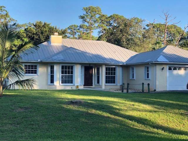 8357 SW Bent Oak Court, Stuart, FL 34997 (MLS #RX-10621053) :: Laurie Finkelstein Reader Team