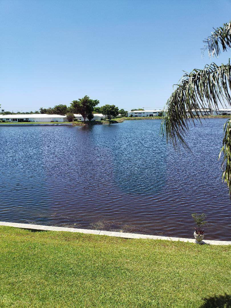 1114 Lake Terrace - Photo 1