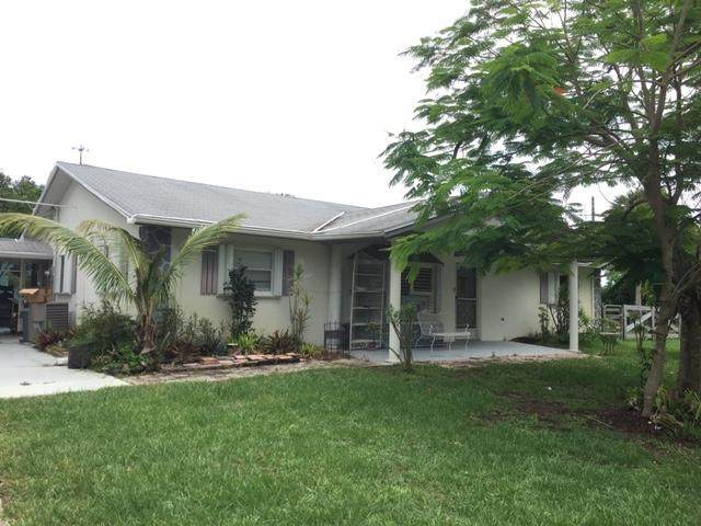 8149 SE Camellia Drive, Hobe Sound, FL 33455 (#RX-10625369) :: Realty One Group ENGAGE