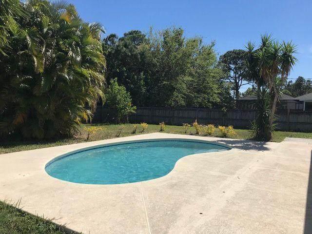 1357 SW Hibiscus Street, Port Saint Lucie, FL 34983 (#RX-10629114) :: Ryan Jennings Group