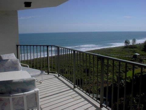 2800 N Highway A1a #907, Hutchinson Island, FL 34949 (MLS #RX-10632621) :: Berkshire Hathaway HomeServices EWM Realty