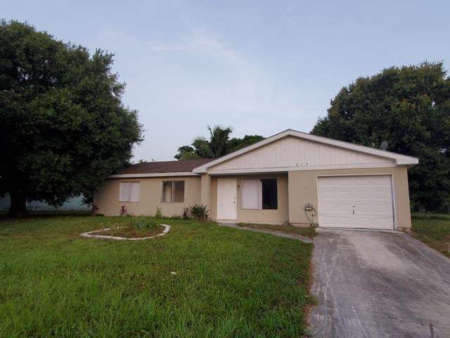 214 SW Kentwood Road, Port Saint Lucie, FL 34953 (#RX-10634584) :: Ryan Jennings Group