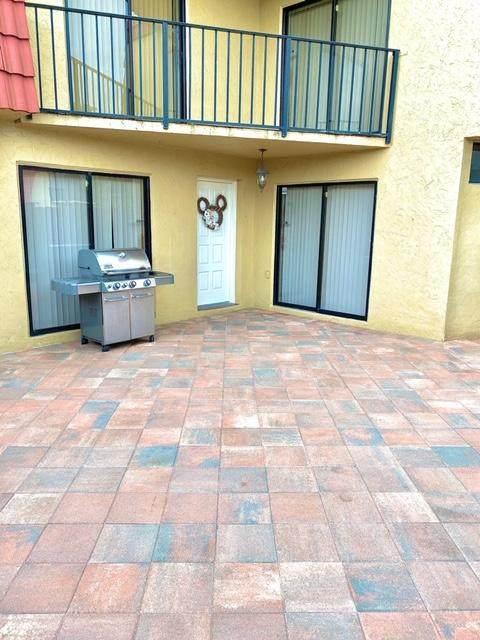 23066 Oxford Place B, Boca Raton, FL 33433 (#RX-10636371) :: Ryan Jennings Group